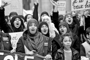 Élections communales belges : le vote musulman, grand vainqueur à Bruxelles dans Presse foulard-bruxelles-1-653x434-300x199